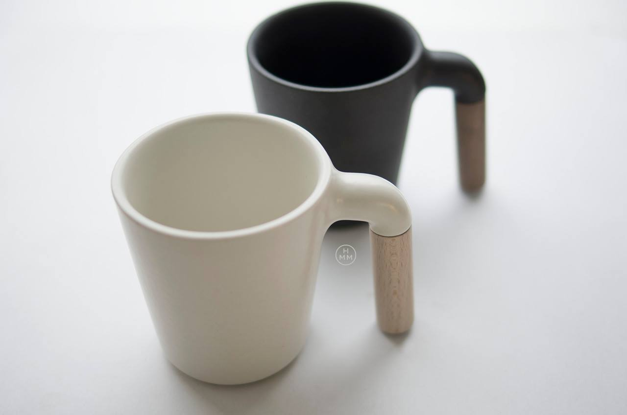 Ceramic Coffee Mug With R Shaped Wooden Handle