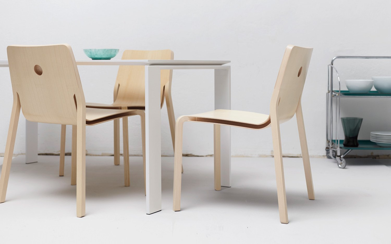 Holly Lightweight Plywood Layer Chair