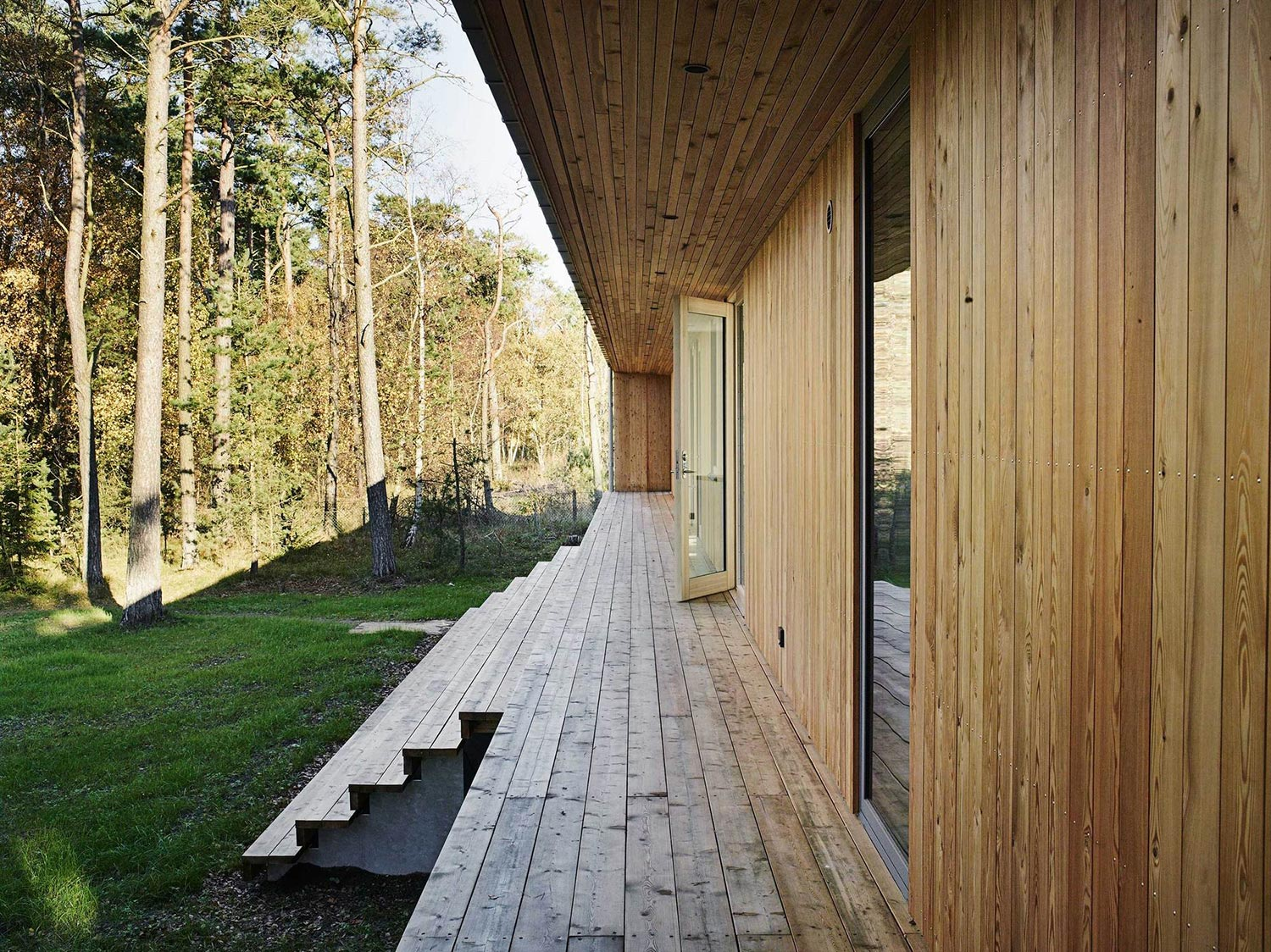 cabin-on-the-coast-of-southern-sweden-5