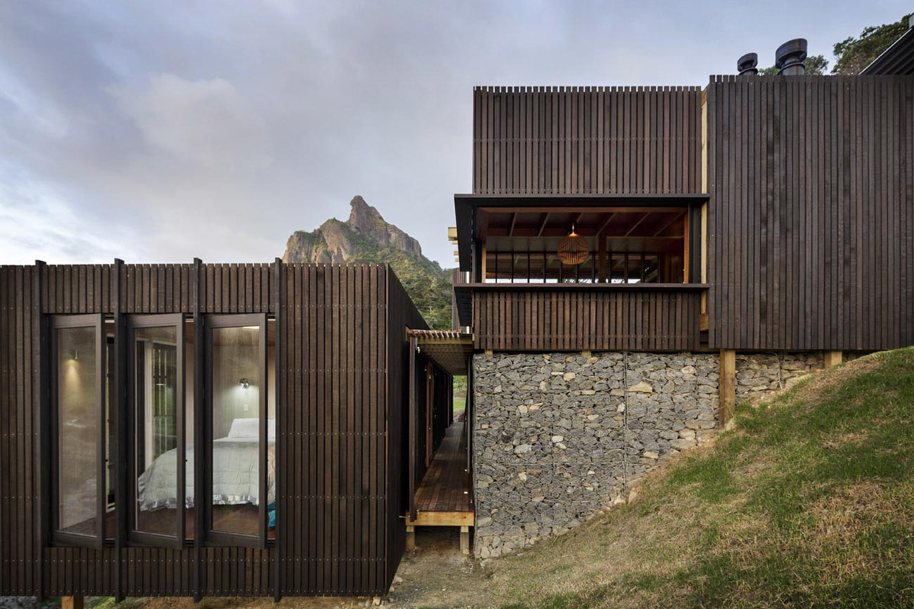 castle-rock-beach-house-in-new-zealand-1