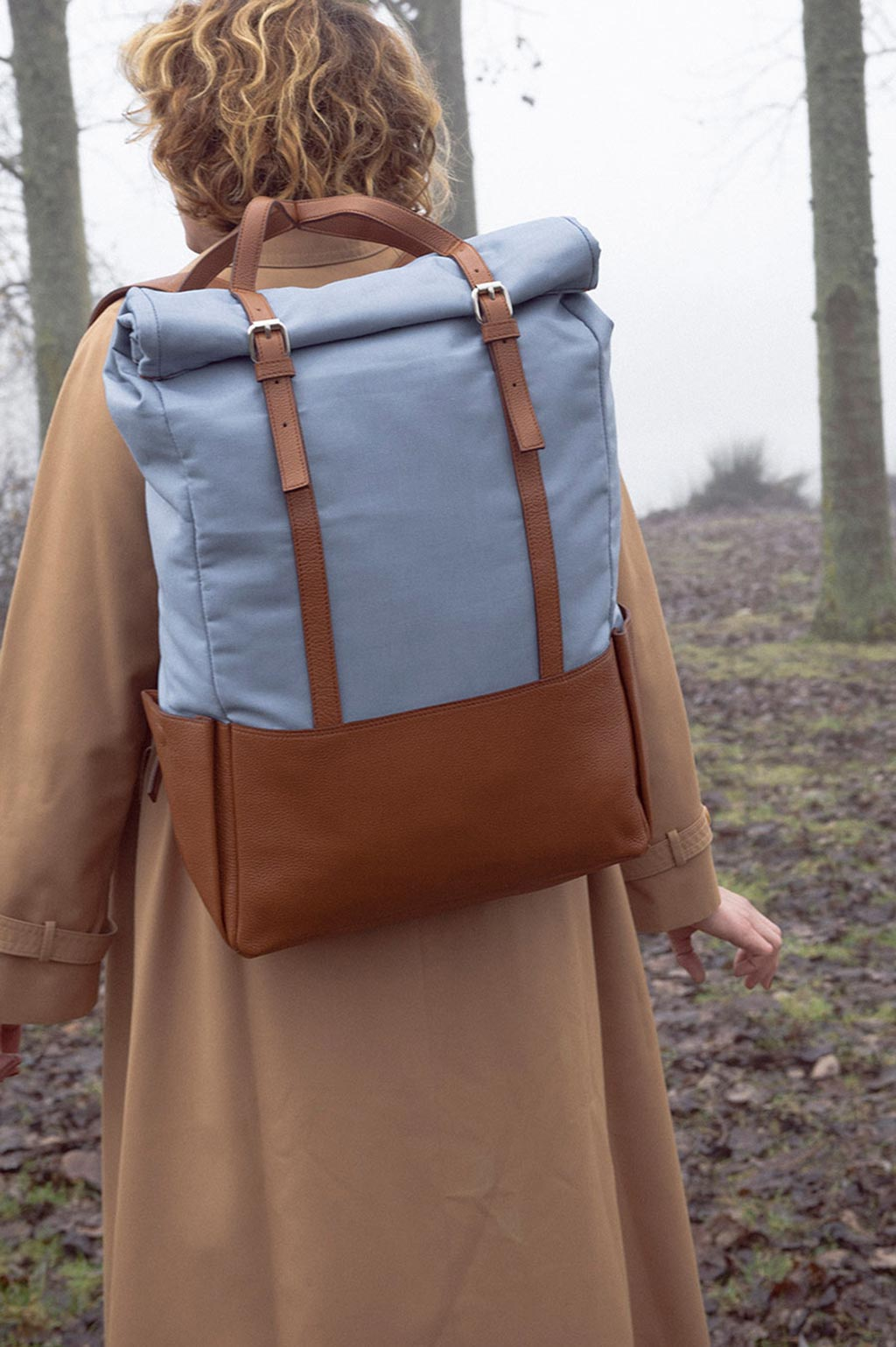 voyager-backpack-with-crisscrossing-straps-0