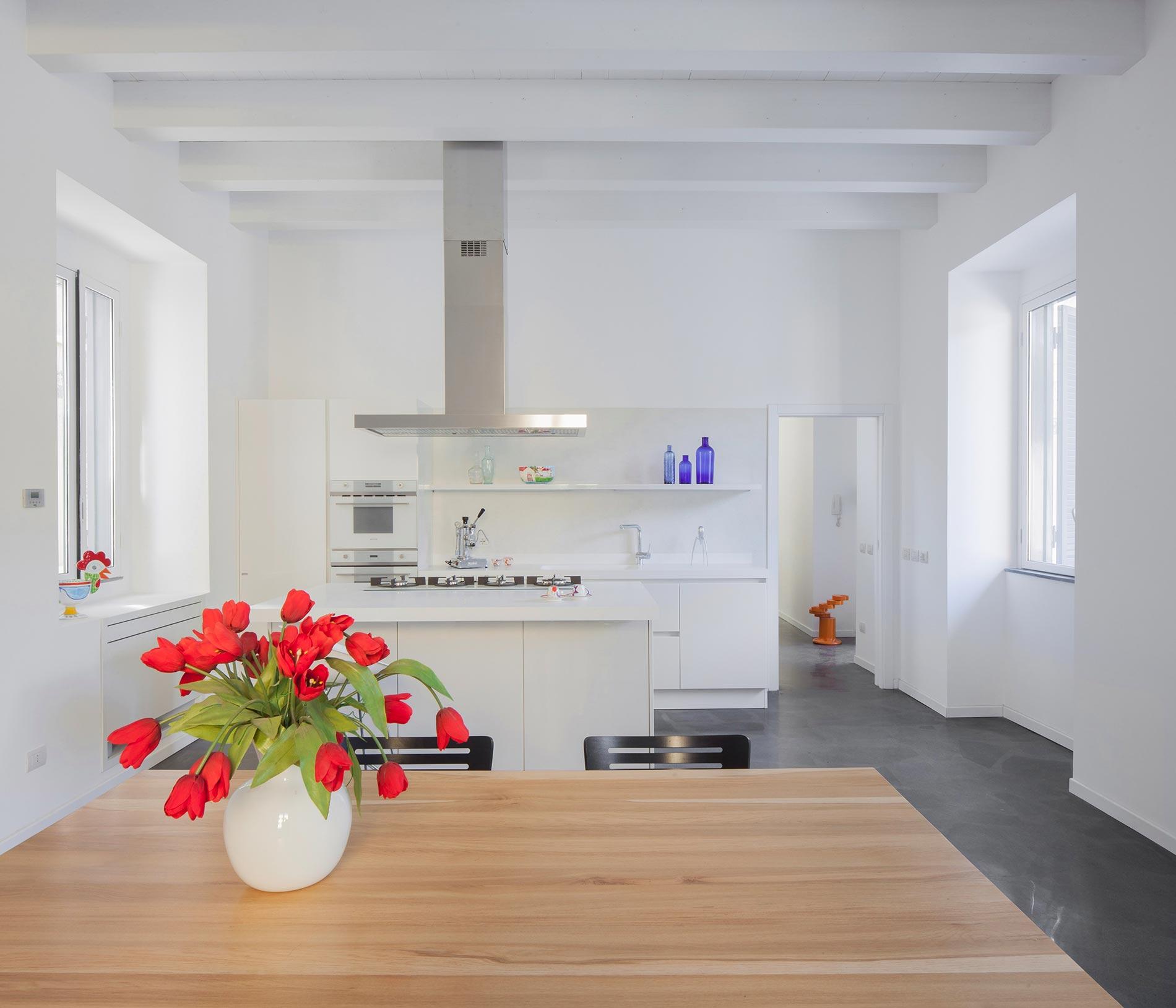 angular-urban-home-in-catania-italy-6