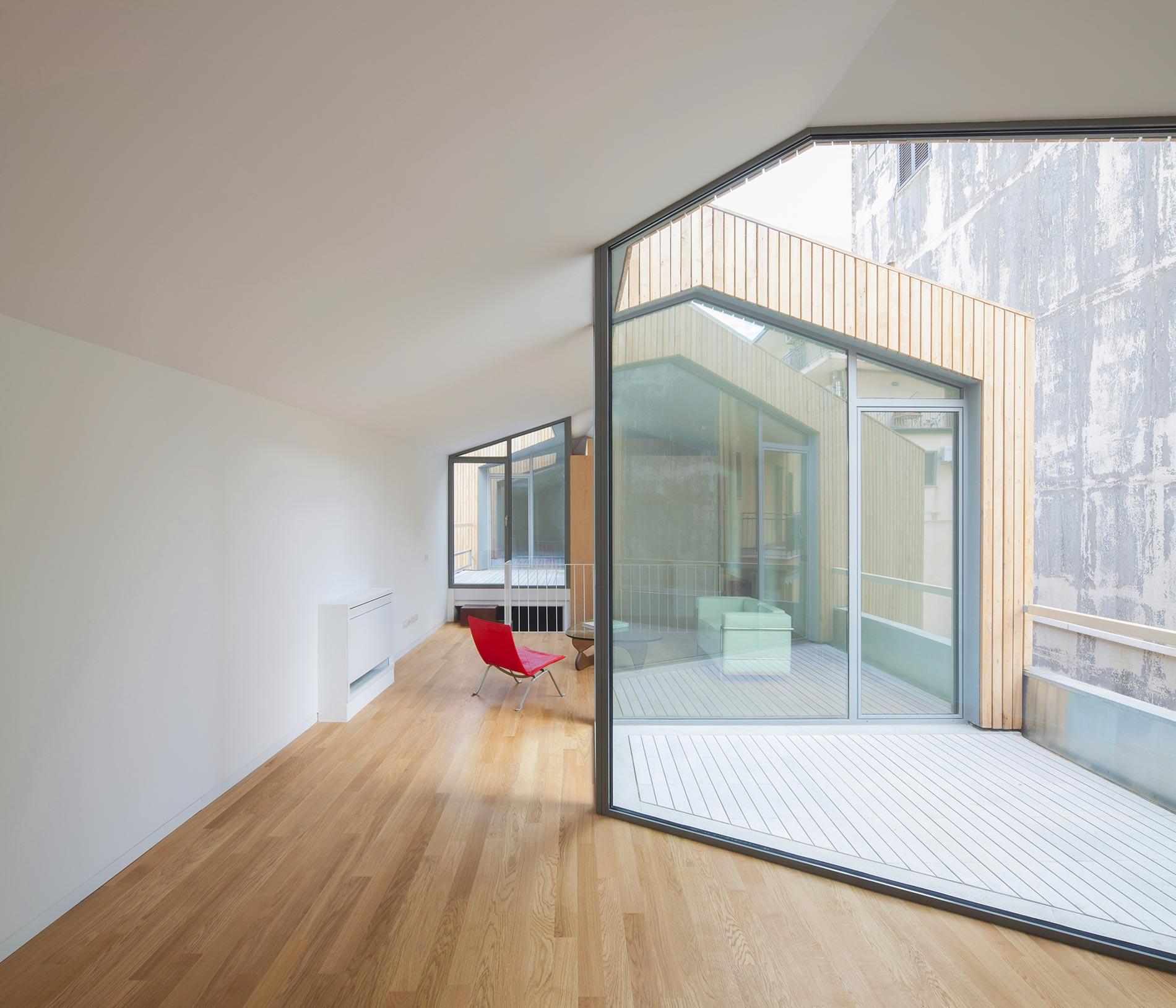 angular-urban-home-in-catania-italy-7