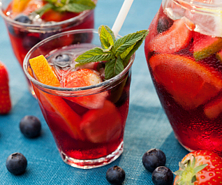 5-reasons-sangria-is-essential-for-summer-8