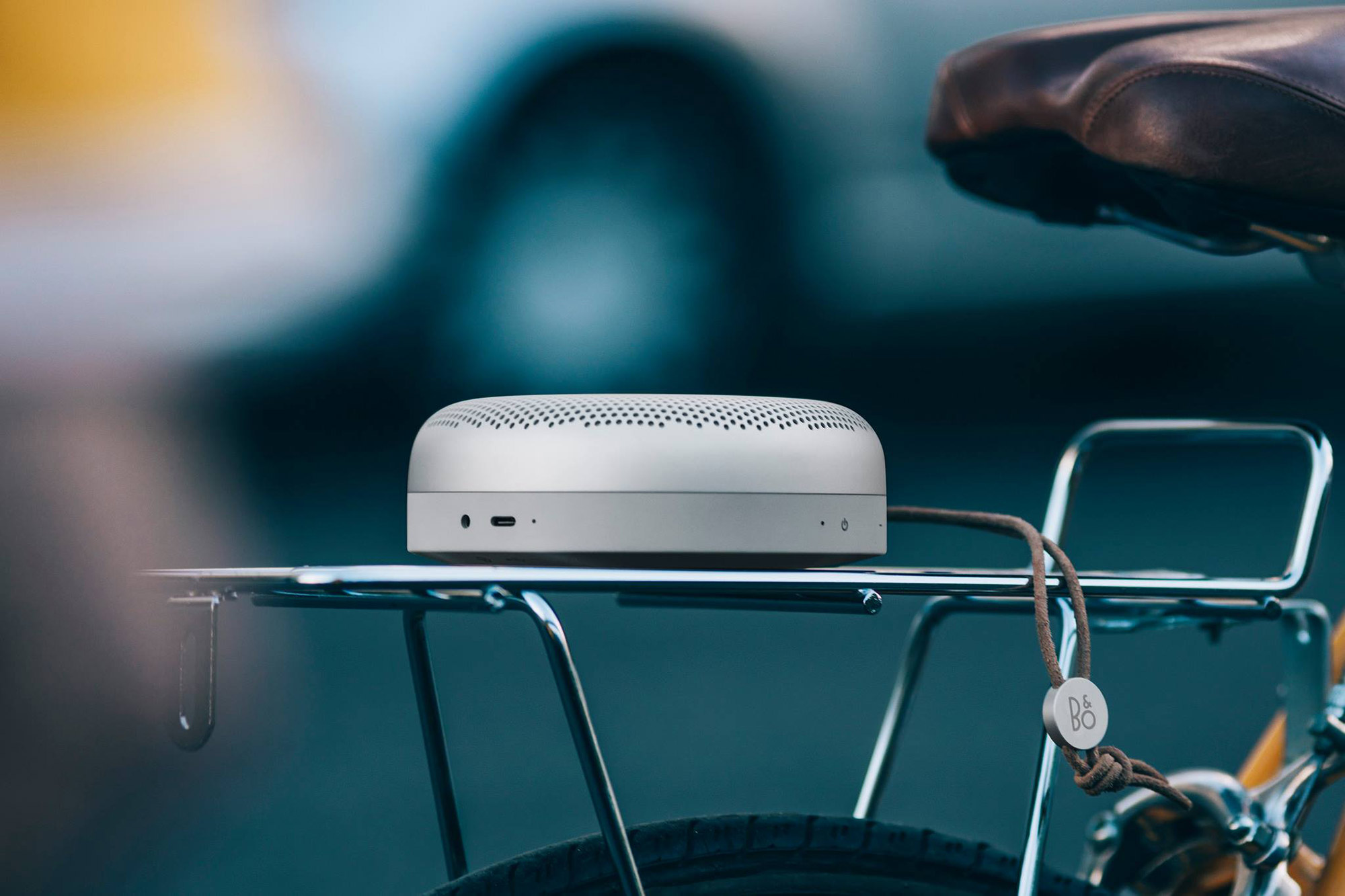 beoplay-a1-portable-speaker-2