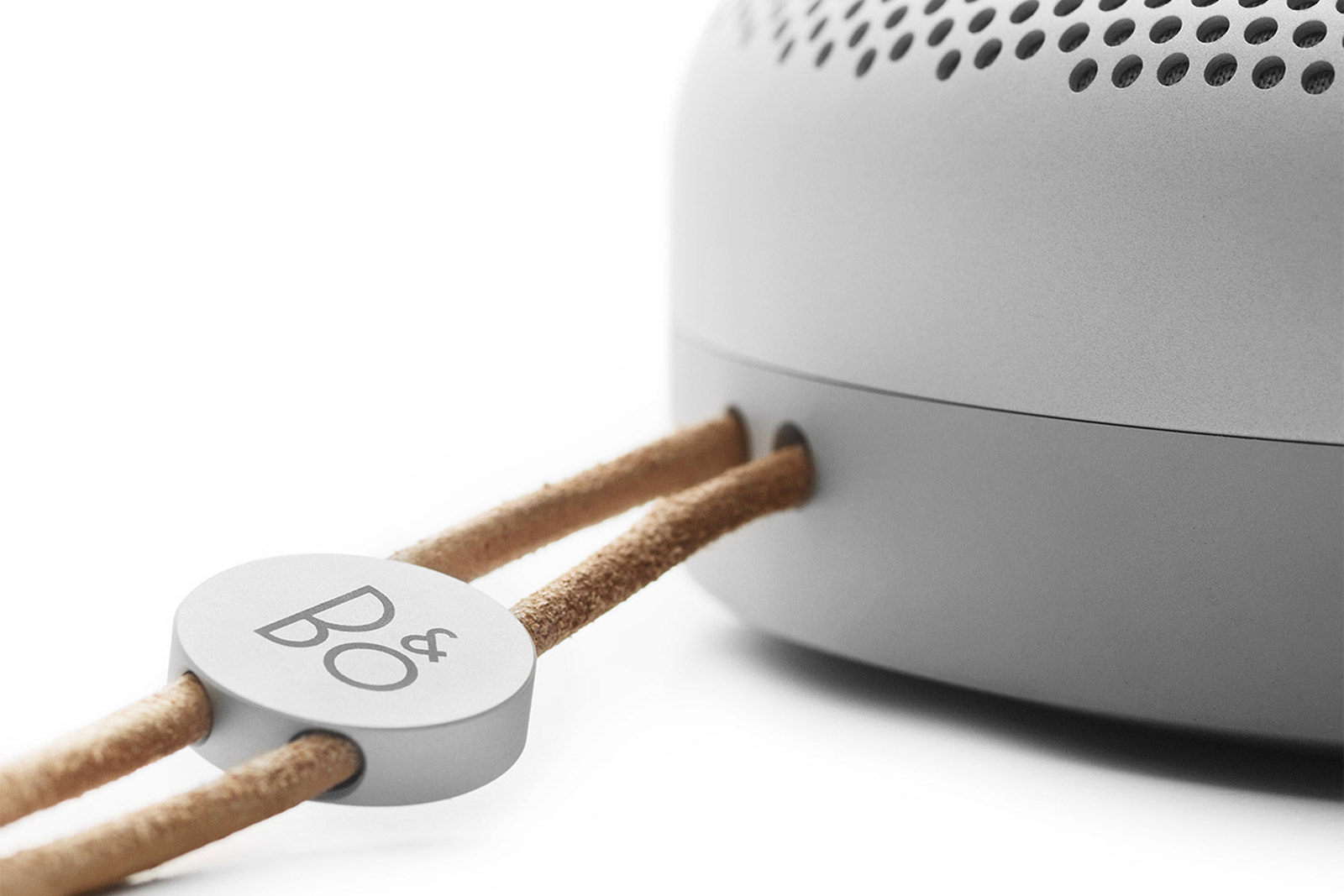 beoplay-a1-portable-speaker-7