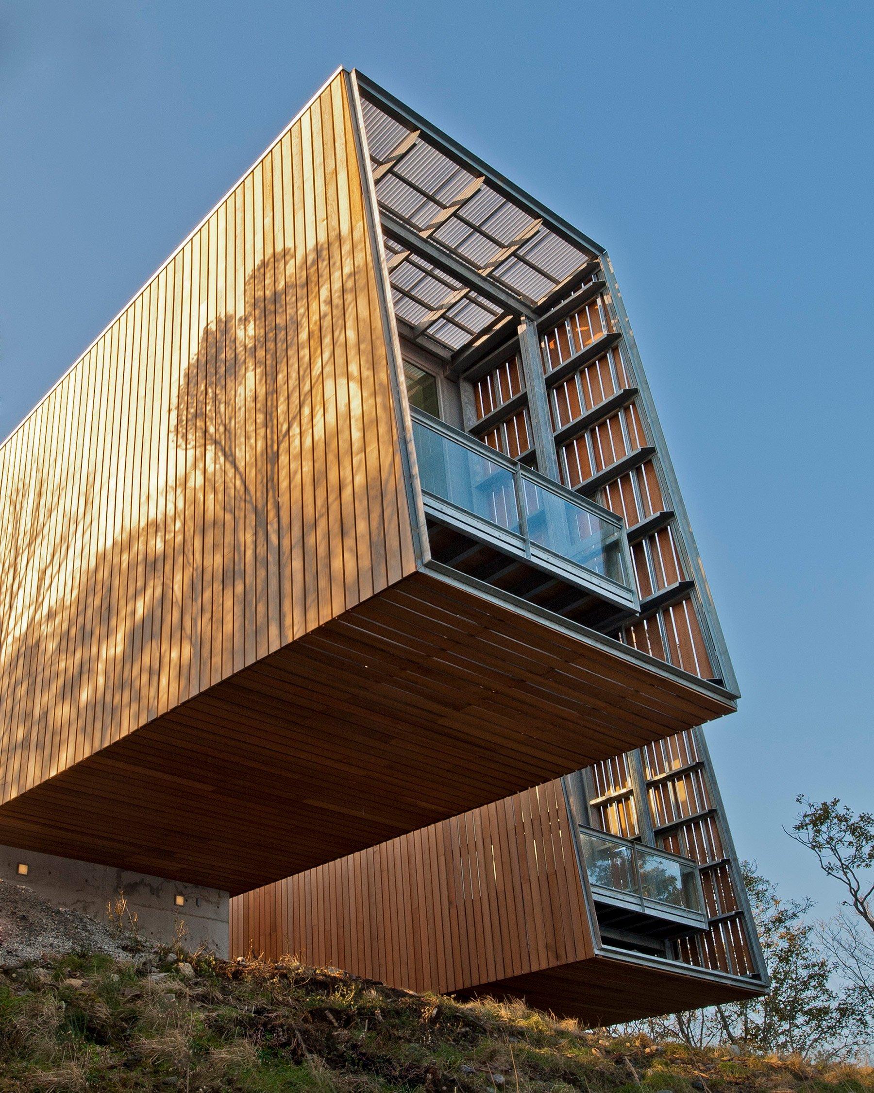 the-two-hulls-house-in-nova-scotia-canada-gessato-3