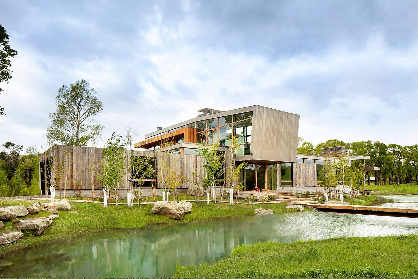 big-timber-riverside-residence-1