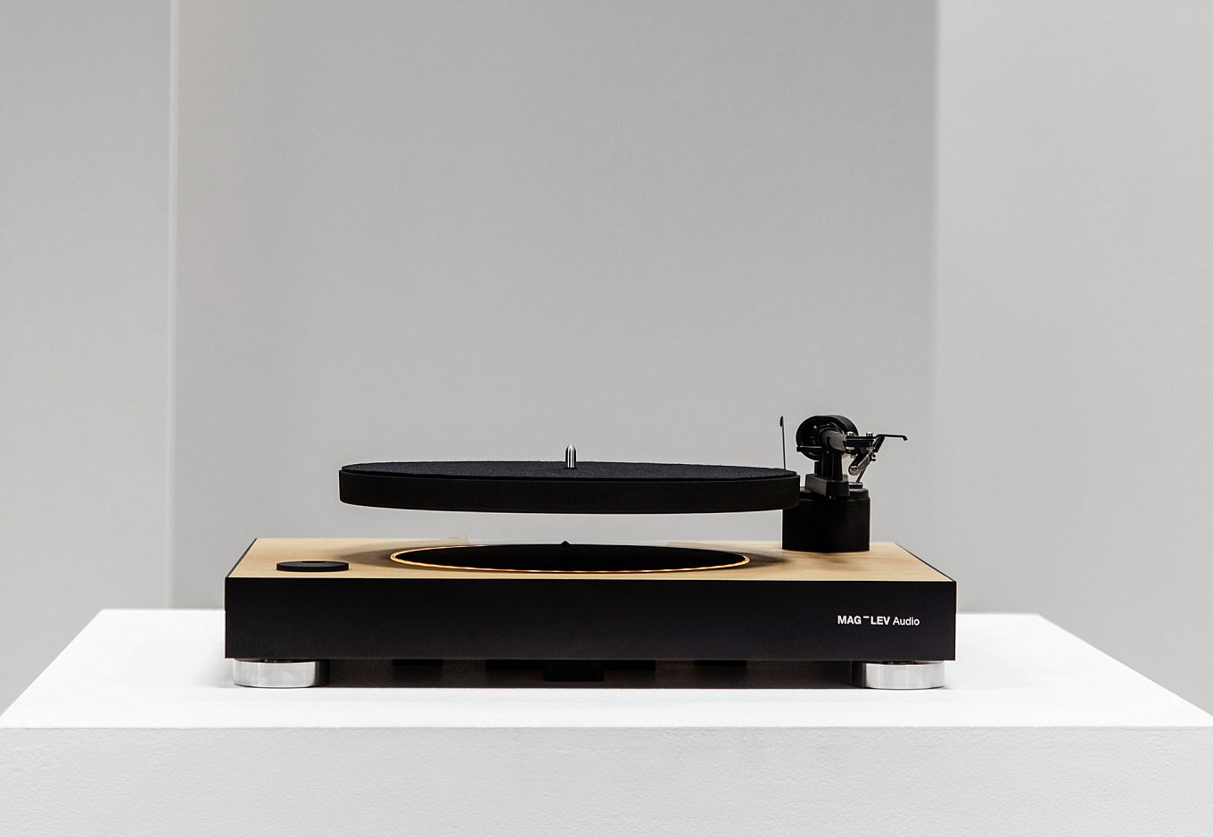 levitating-turntable-gessato-2