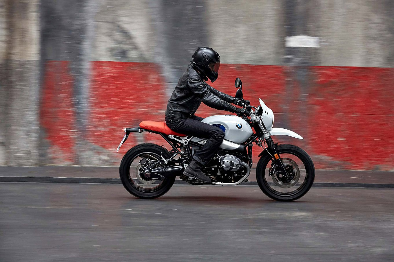 2017-bmw-r-ninet-urban-gs-14