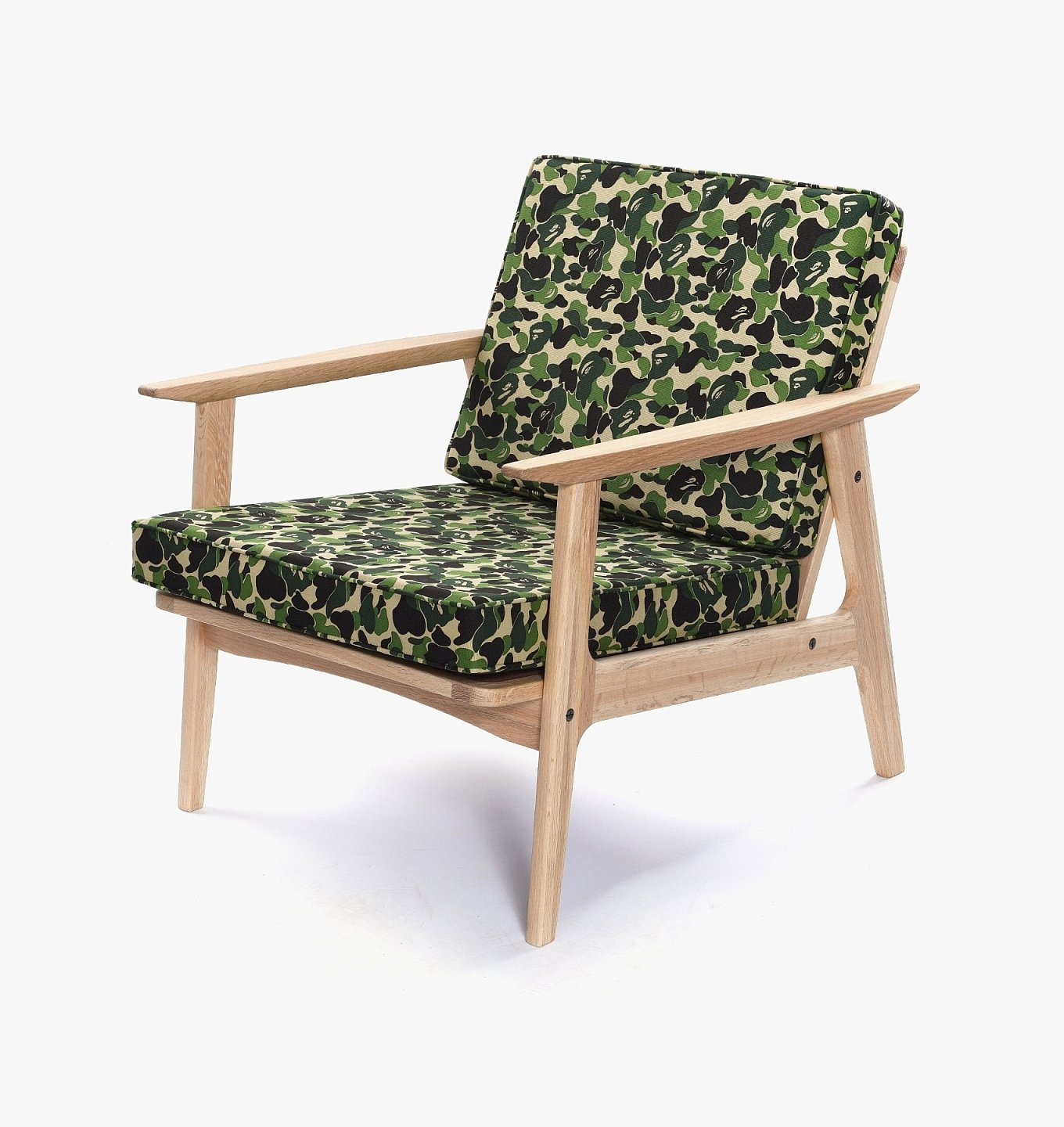 medicom-toy-bathing-ape-abc-camo-hizikake-chair-1
