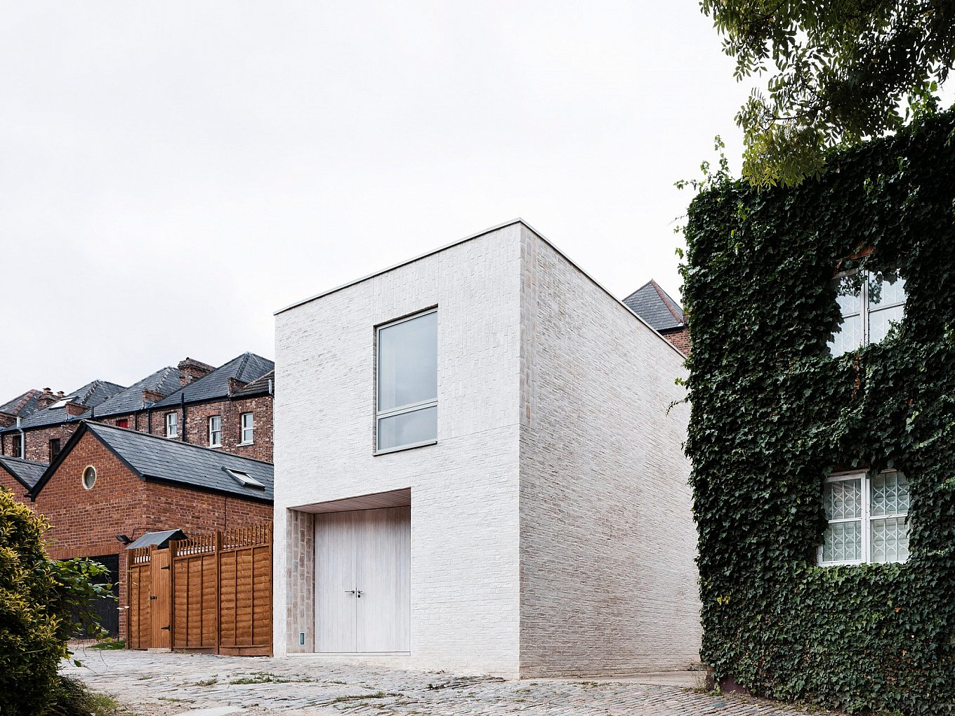 mews-house-russell-jones-1