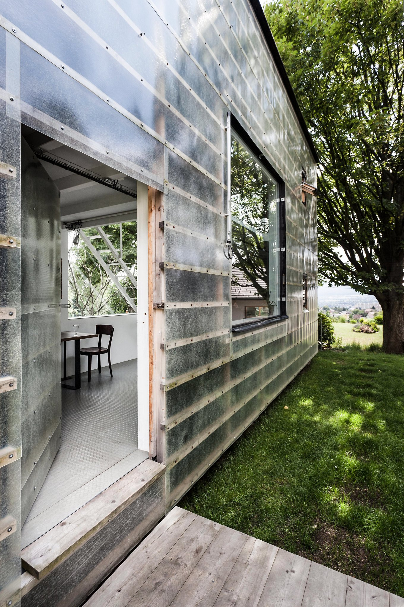 Modern and efficient, the Zen-Houses offer an inspiring glimpse at and  reveal the potential of cost-efficient housing of the present and near  future.
