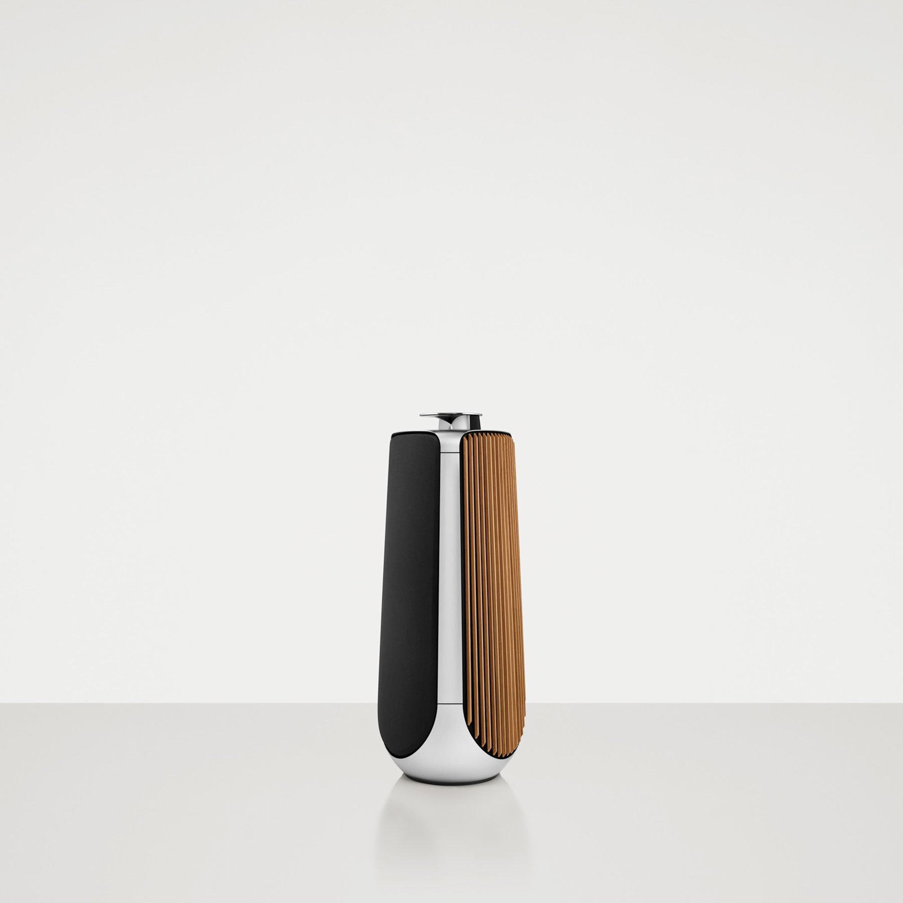 Bang amp olufsen table stand for beolab 7 4 - The High End Loudspeaker Delivers Excellent Performance With Its Seven Dedicated Amplifiers That Have A Combined Power Of 2 100 Watts With Three 4